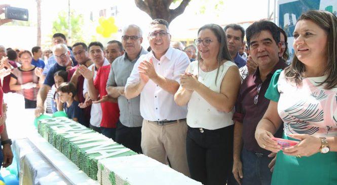 97 anos de emancipação política de Esperantina, foi comemorado com uma missa e bolo em praça pública