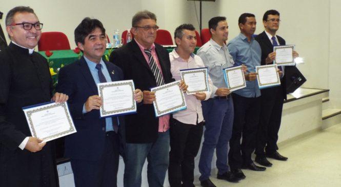 Câmara Municipal concede títulos de cidadania esperantinense