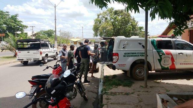 Polícia desarticula quadrilha que vendia drogas dentro de escolas