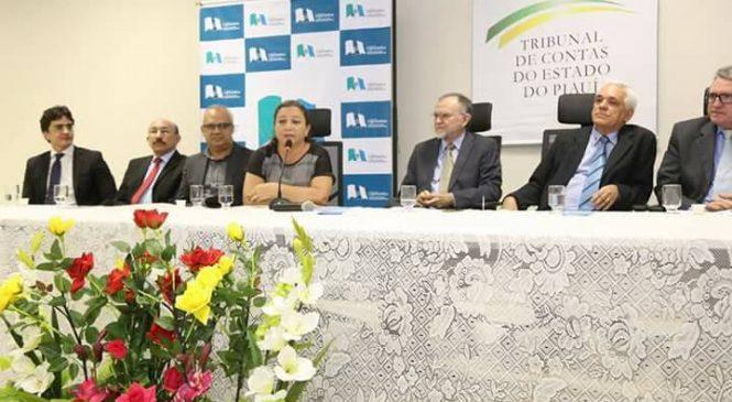 TCE-PI realiza Seminário de Formação de Controladores Sociais em Esperantina