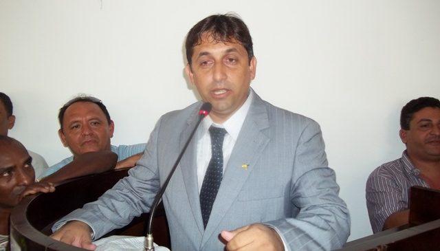 Câmara mantém parecer do TCE e aprova as contas do ex-prefeito Lourival