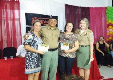 Prefeita Vima Amorim recebe certificado de amigo da polícia militar