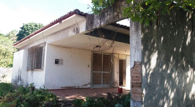 Antiga casa dos juízes em Esperantina começa a ser reformada
