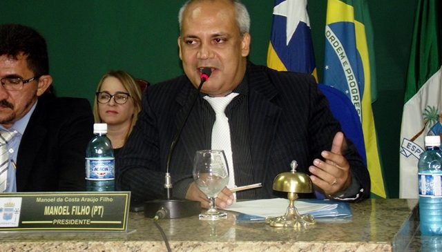 Manoel Filho encaminha ao executivo projeto  do piso salarial dos professores aprovado na câmara