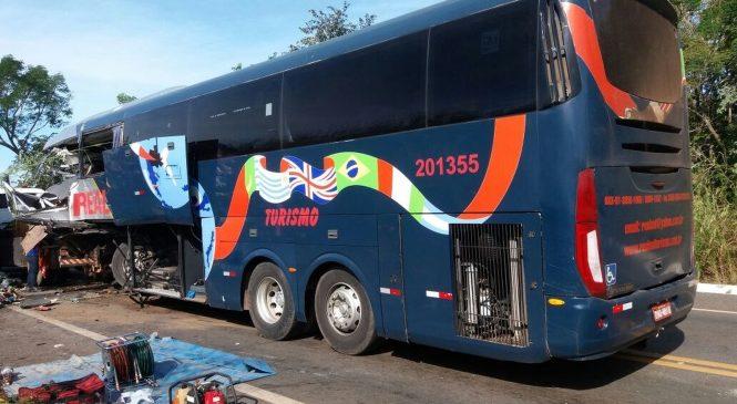 Acidente com ônibus da Real Sul deixa 04 mortos