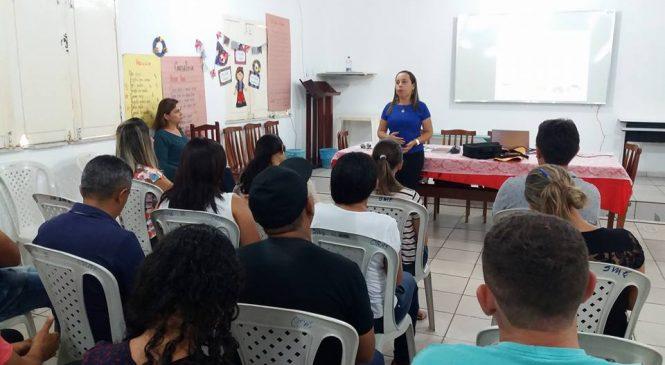Técnicos da assistência social recebe treinamento para melhor atender a população