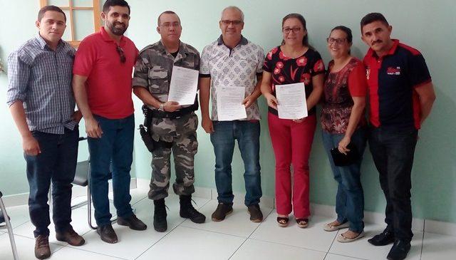 Prefeita Vilma Amorim assina convênio com a polícia militar