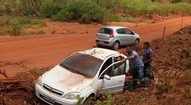 Motorista pedre o controle  do veículo e tomba na BR 222
