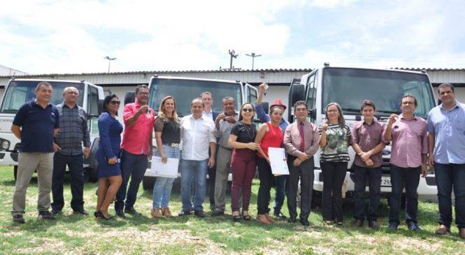 19 municípios foram contemplados com caminhão