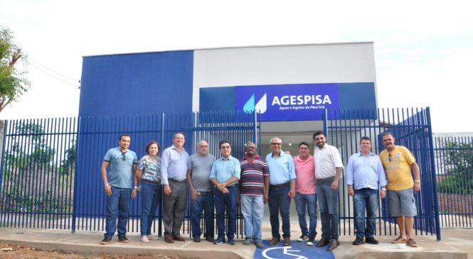 Presidente da Agespisa visita nova sede da empresa em Esperantina