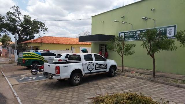 Dono de salão de beleza é preso por posse ilegal de arma em Buriti dos Lopes