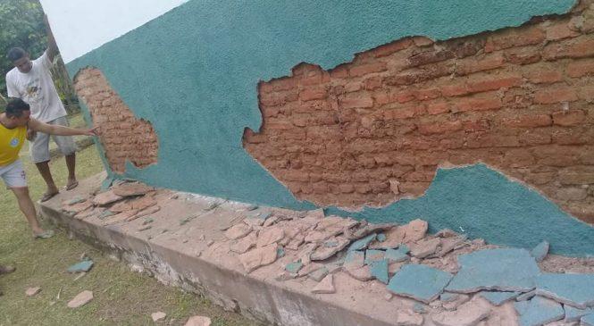 Alunos da zona rural de Porto estão sem aulas, escola oferece risco