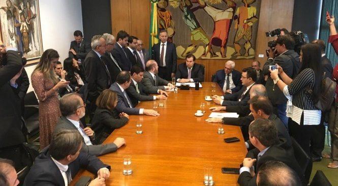Themístocles tem audiência em Brasília com presidente da Câmara e do Senado