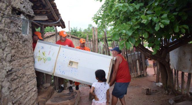 Famílias são retiradas de casas após nível do Rio Parnaíba em Luzilândia