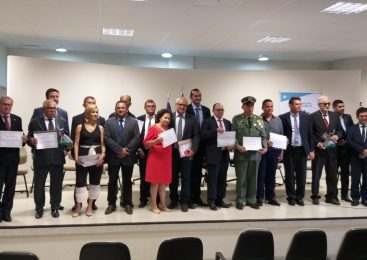 Câmara de Vereadores de Esperantina realiza sessão solene para entrega de títulos de cidadania
