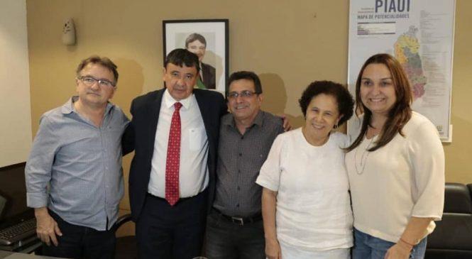 Prefeito Genival Bezerra participa de encontro com o governador e solicita obras para Joaquim Pires