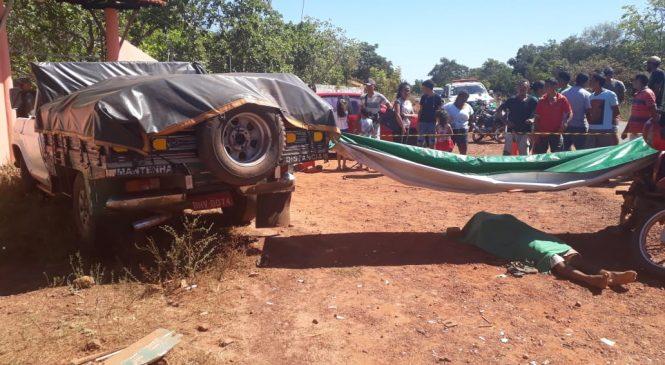 Veículo carregado de sabão colide com moto, condutor morreu na hora