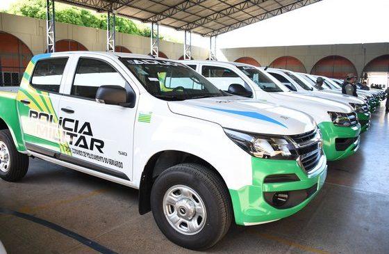 Governador entrega novas viaturas para Polícia Militar da capital e do interior