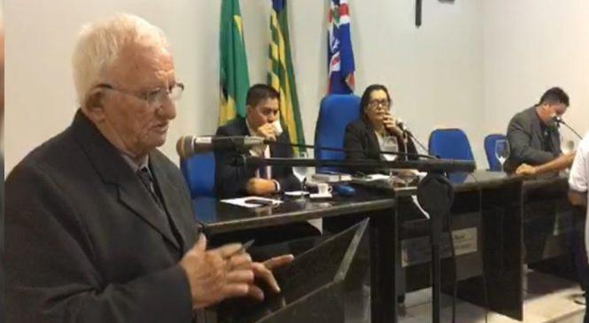 Vereador diz que há 3 anos pede iluminação da localidade Barreiro e o prefeito Carlos Monte não atende