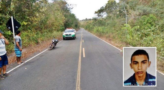 Jovem de 23 anos morre após colidir moto em vaca em Joaquim Pires