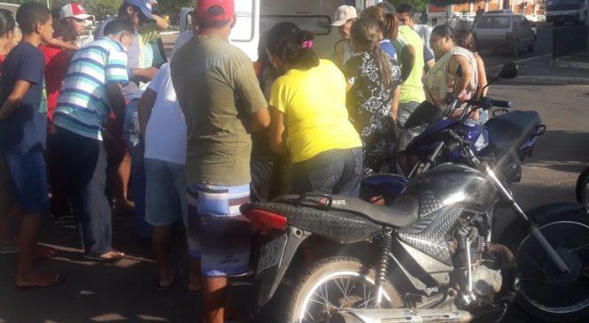 Acidente envolvendo duas motocicletas, deixa uma mulher com fratura na perna