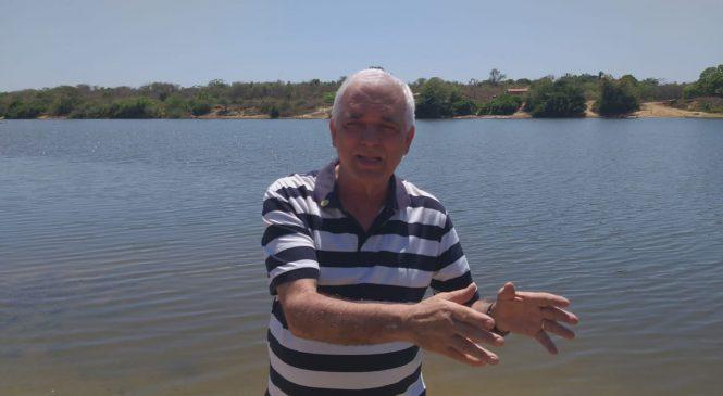 Deputado Themistocles visita local onde será construído uma ponte no rio Longá