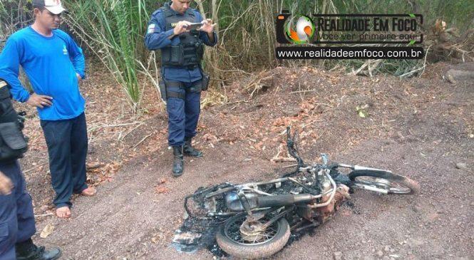 Jovem desaparece em José de Freitas e sua moto é encontrada queimada em matagal