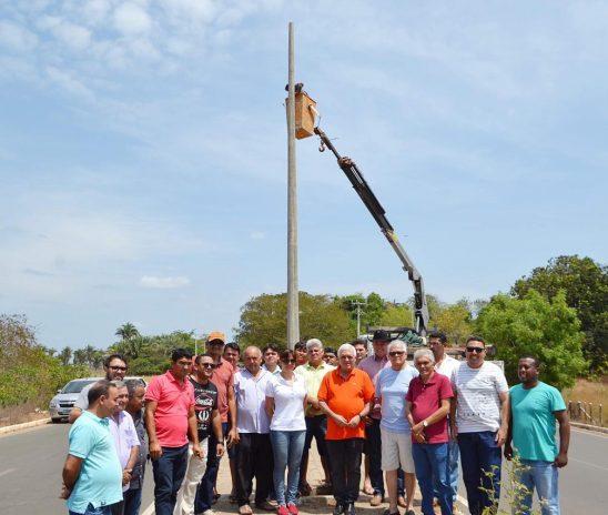 Obras de iluminação da avenida Chagô Rebelo será concluída nos próximos dias em Esperantina