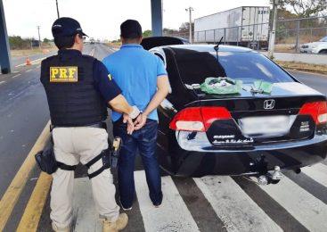 Homem é preso pela PRF transportando cocaína em veículo em Campo Maior