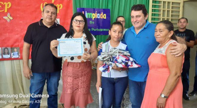 Alunos e professores de Morro do Chapéu recebem premiação da gestão municipal