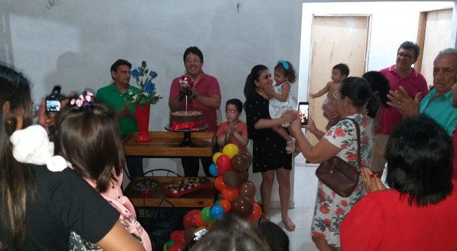 Advogado Carlos Júnior recebeu festa surpresa em seu aniversário