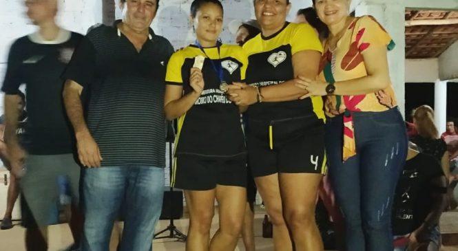 Prefeito Marcos Henrique entrega premiação na final do campeonato de areia na Boa Vista dos Nogueiras