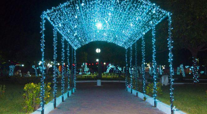 Cidade de Joaquim Pires ganha decoração natalina na praça 28 de dezembro