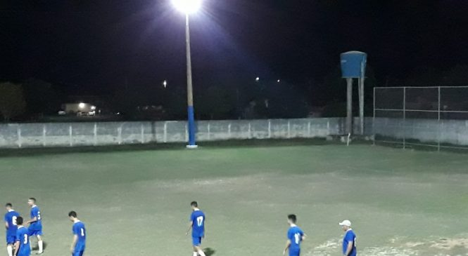 Prefeito Marcos Henrique inaugurou iluminação np estádio Sapucaiāo