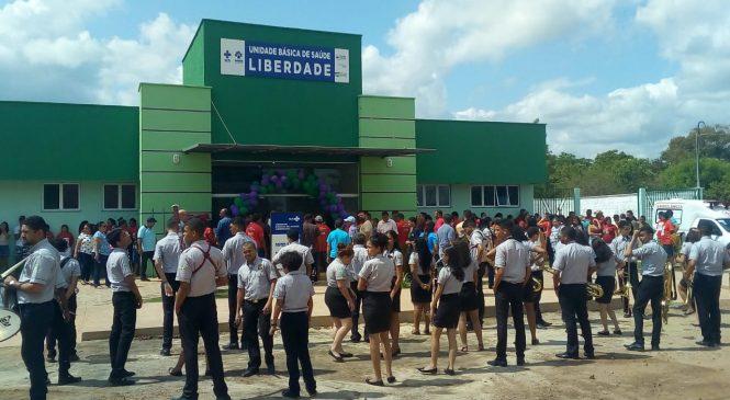 Prefeita Vilma Lima entrega academia de saúde, quadra e UBS durante festa de emancipação política de São João do Arraial