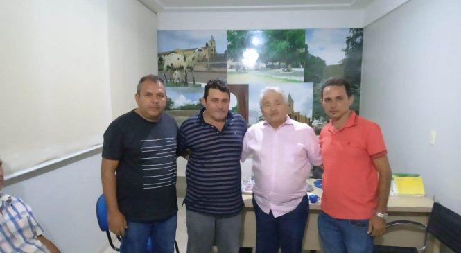 Em encontro Elmano Férrer, Prefeito Marcos Henrique reivindica melhorias para Morro do Chapéu