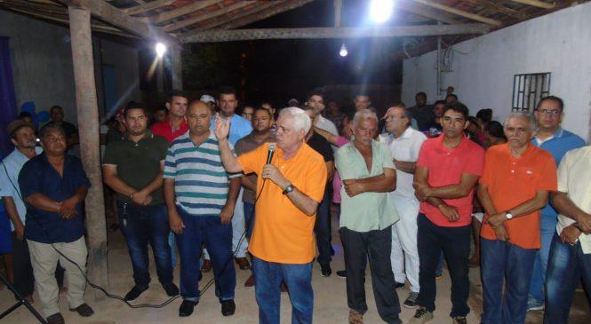 Deputado Themistocles Filho, anuncia obras de asfalto no povoado Vassouras