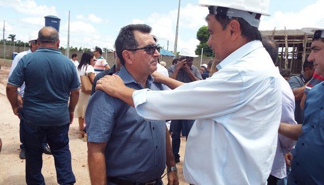 Prefeito Genival Bezerra, acompanhou a visita de W. Dias em Esperantina