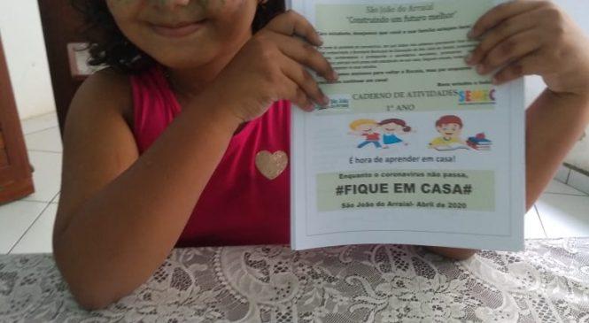 Estudando em casa: Prefeita Vilma Lima distribui material didático