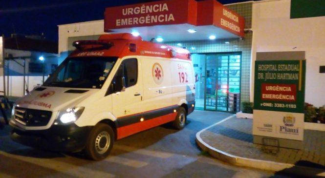 Idoso é atingido no braço por bala perdida na porta de casa em Esperantina