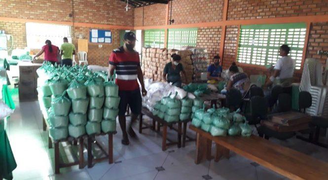 300 famílias de São João do Arraial recebem cestas básicas na última sexta (3)