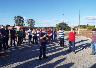 Prefeito Marcos Henrique visita obras ao lado de vereadores e lideranças políticas