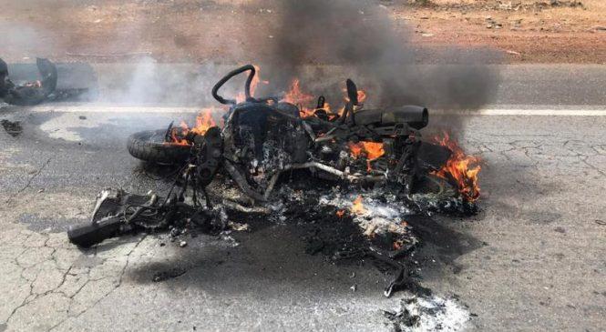 Colisão entre caminhão e moto deixa um morto na BR-222, em São João da Fronteira