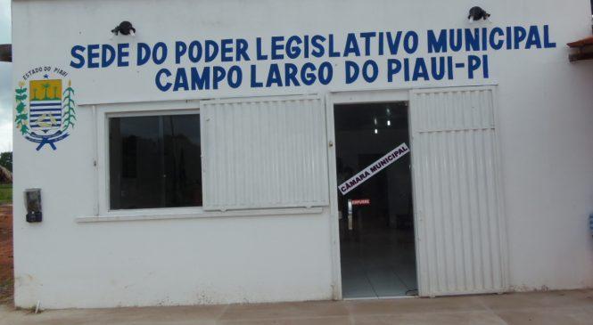 Vereadores de Campo Largo aumentam seus salários, do prefeito, vice e secretários