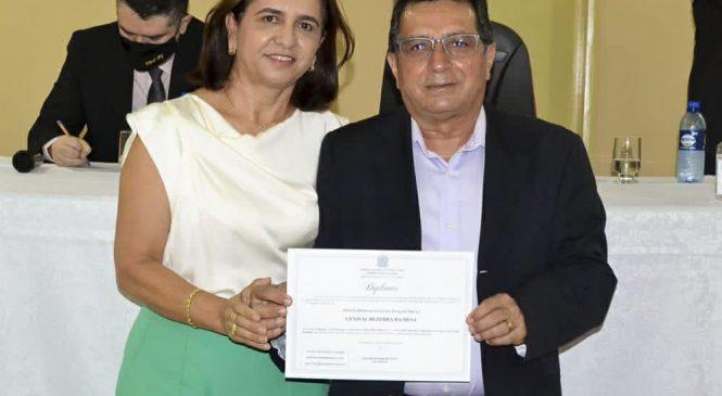 Prefeito reeleito de Joaquim Pires Genival Bezerra é diplomado pela Justiça Eleitoral