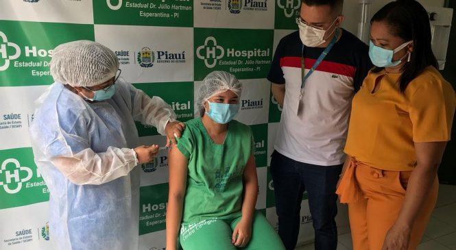 Hospital Estadual Dr. Júlio Hartman recebe as primeiras doses da vacina contra Covid
