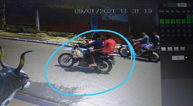 Dois bandidos armados rendem funcionária de clínica odontológica e levam sua moto