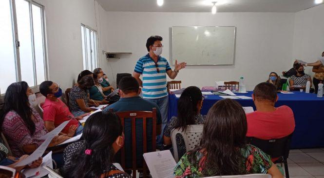 Educação de Esperantina reúne diretores para início do ano letivo