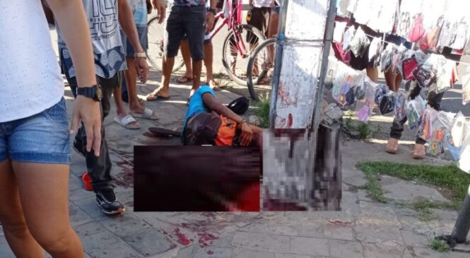 Homem é esfaqueado no centro de Piripiri e cai em frente ao banco do Brasil