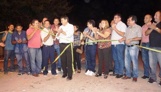 Governador inaugurou obras e anunciou investimentos para São João do Arraial